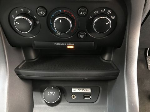 2017 Ford Ka+ 1.2 Ti-VCT Zetec 5dr - Picture 22 of 31