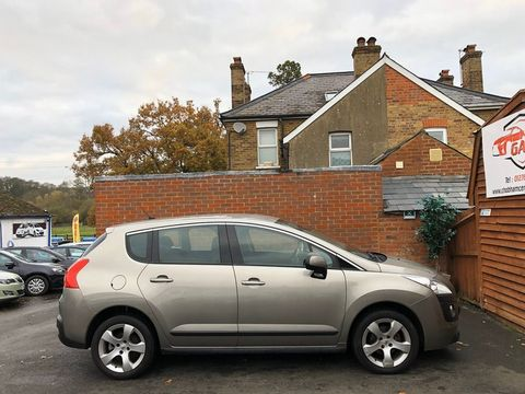 2011 Peugeot 3008 1.6 HDi FAP Sport 5dr - Picture 11 of 32