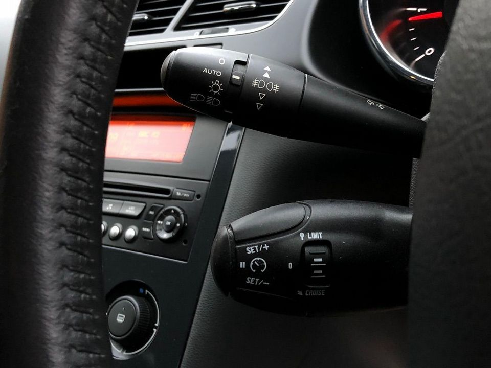 2011 Peugeot 3008 1.6 HDi FAP Sport 5dr - Picture 26 of 32