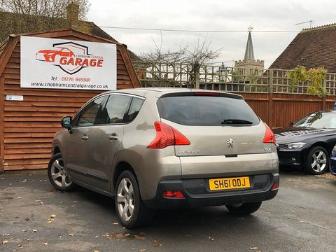 2011 Peugeot 3008 1.6 HDi FAP Sport 5dr - Picture 8 of 32
