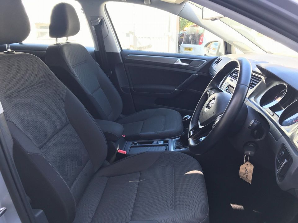 2013 Volkswagen Golf 1.6 TDI SE (s/s) 5dr - Picture 13 of 36