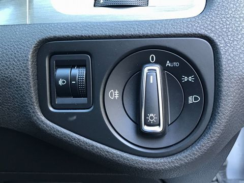 2013 Volkswagen Golf 1.6 TDI BlueMotion Tech SE (s/s) 5dr - Picture 29 of 35