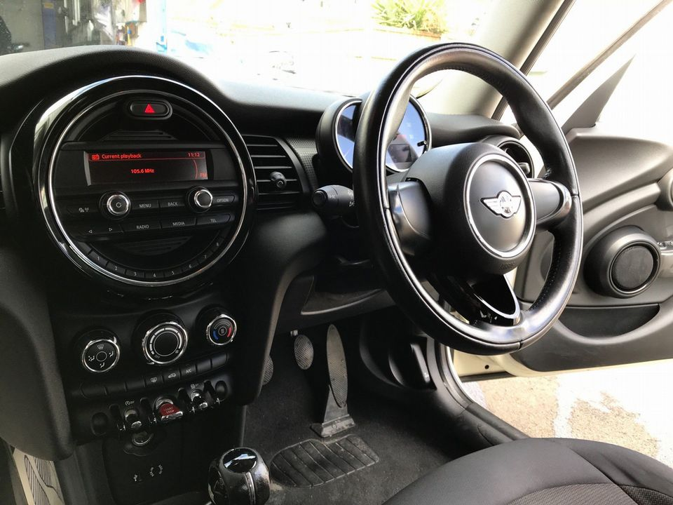 2015 MINI Hatch 1.5 Cooper D (s/s) 5dr - Picture 13 of 28