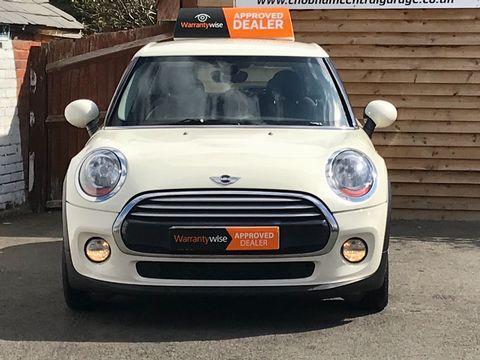 2015 MINI Hatch 1.5 Cooper D (s/s) 5dr - Picture 3 of 28