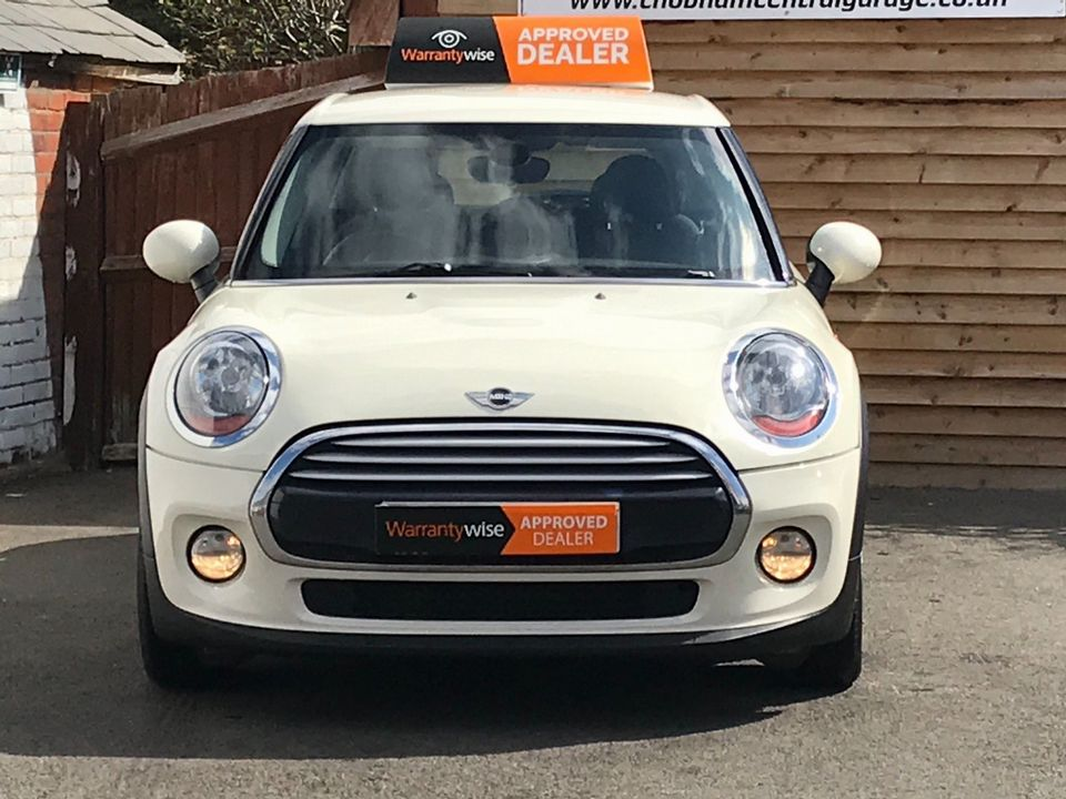 2015 MINI Hatch 1.5 Cooper D (s/s) 5dr - Picture 3 of 37