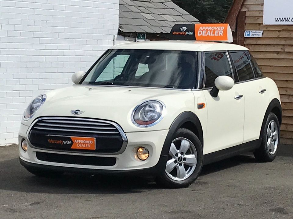 2015 MINI Hatch 1.5 Cooper D (s/s) 5dr - Picture 5 of 37