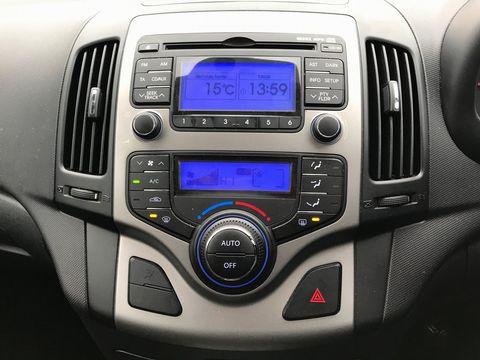 2010 Hyundai i30 1.6 CRDi Premium 5dr - Picture 11 of 31