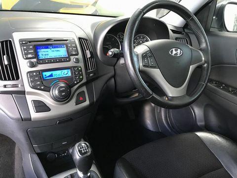 2010 Hyundai i30 1.6 CRDi Premium 5dr - Picture 15 of 31