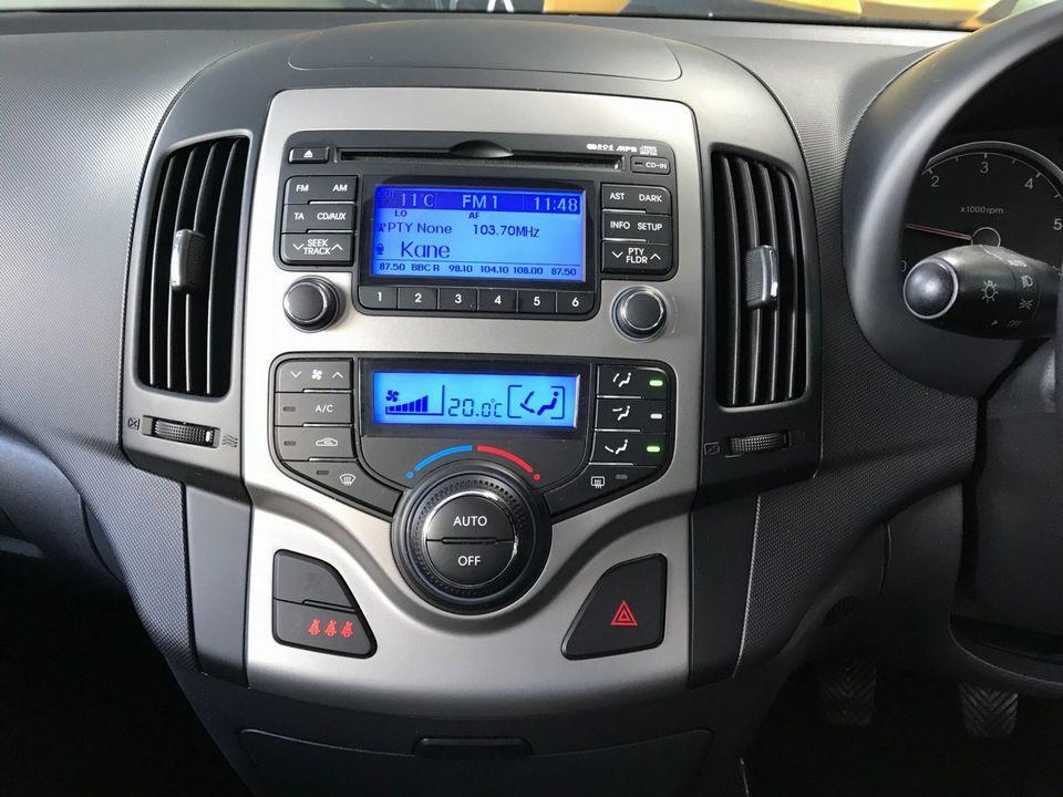 2010 Hyundai i30 1.6 CRDi Premium 5dr - Picture 16 of 31