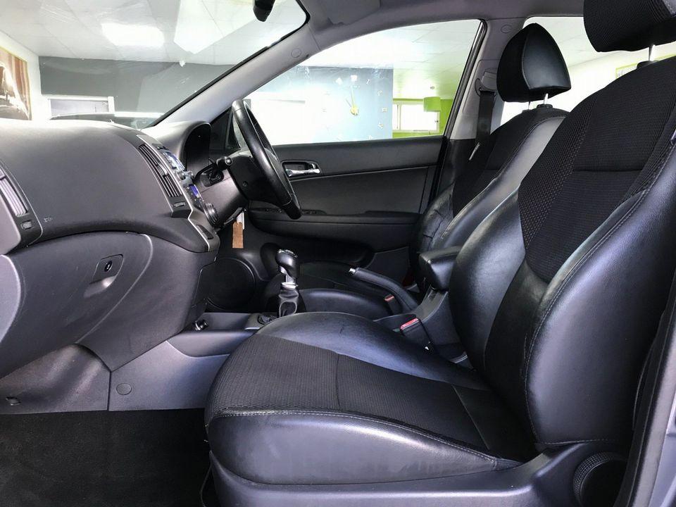 2010 Hyundai i30 1.6 CRDi Premium 5dr - Picture 19 of 31