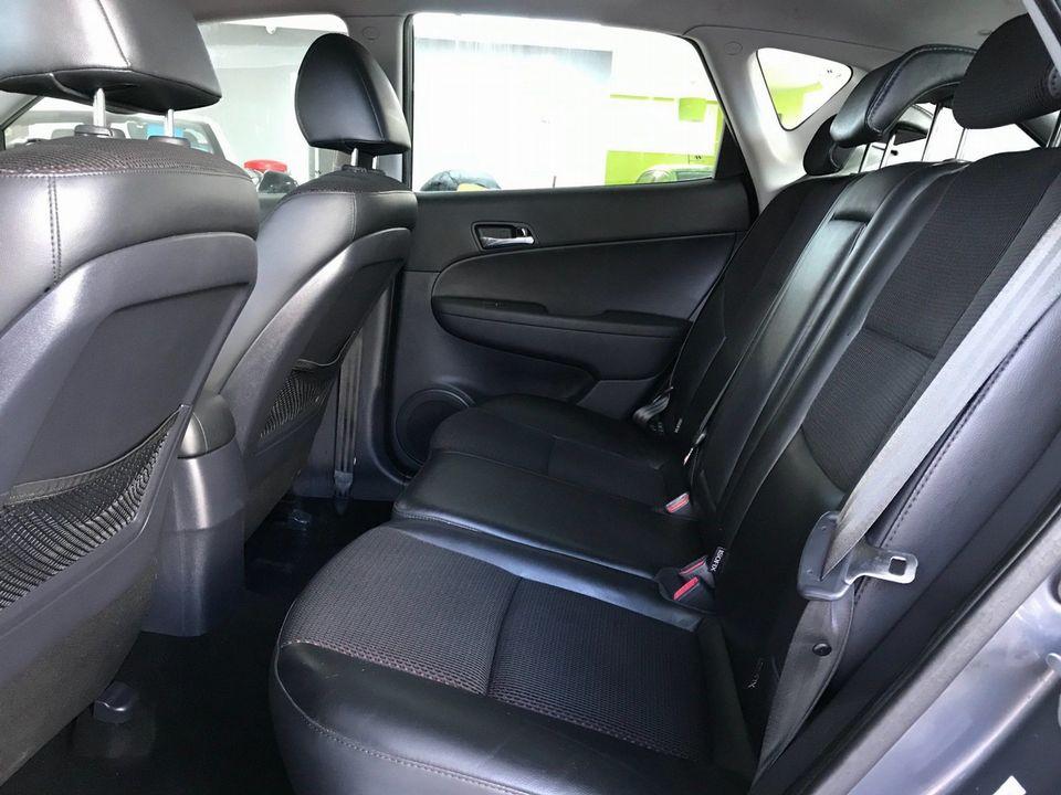 2010 Hyundai i30 1.6 CRDi Premium 5dr - Picture 21 of 31