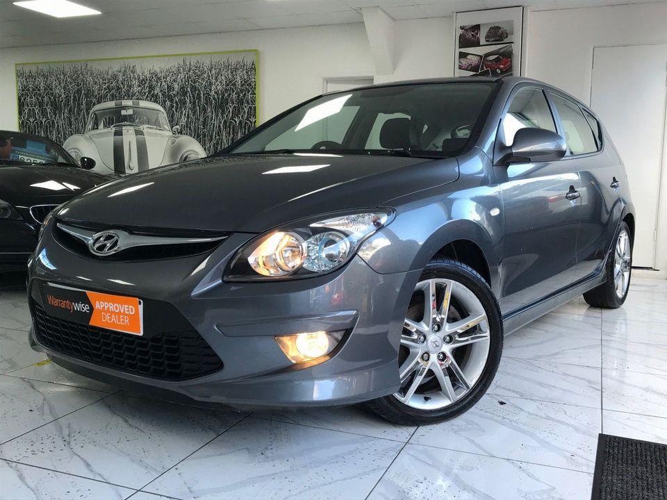 2010 Hyundai i30 1.6 CRDi Premium 5dr - Picture 5 of 31