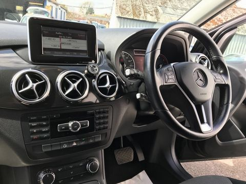 2013 Mercedes-Benz B Class 1.8 B180 CDI BlueEFFICIENCY SE 7G-DCT (s/s) 5dr - Picture 12 of 40