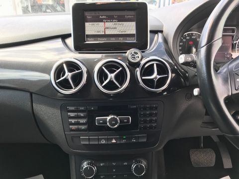 2013 Mercedes-Benz B Class 1.8 B180 CDI BlueEFFICIENCY SE 7G-DCT (s/s) 5dr - Picture 26 of 39
