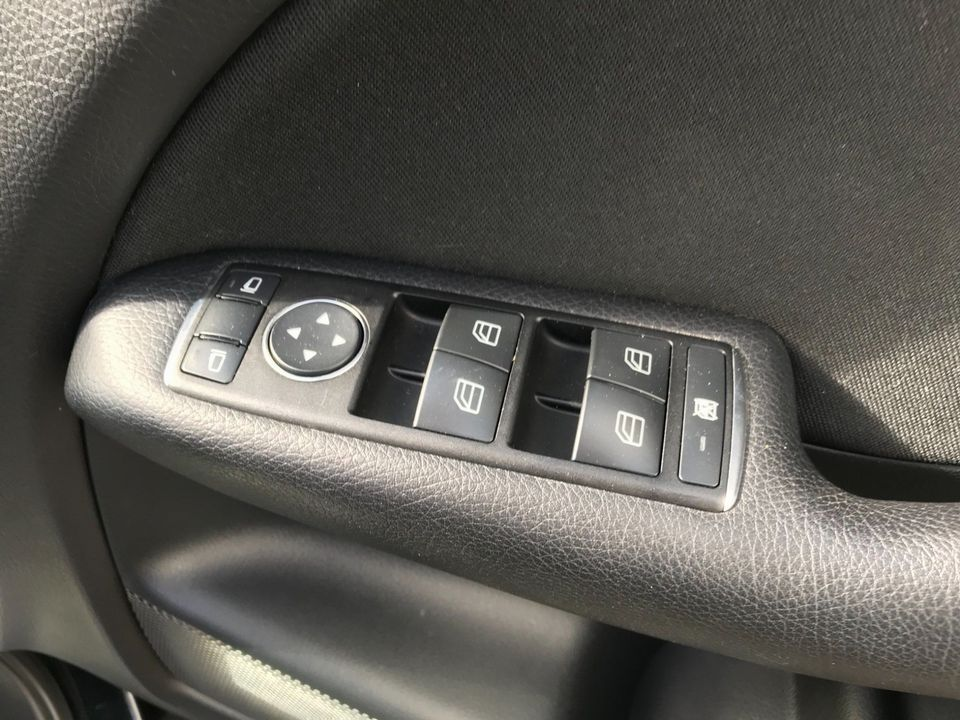 2013 Mercedes-Benz B Class 1.8 B180 CDI BlueEFFICIENCY SE 7G-DCT (s/s) 5dr - Picture 35 of 39