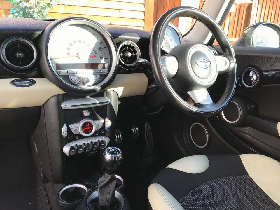 2009 MINI Hatch 1.6 Cooper S 3dr - Picture 16 of 27