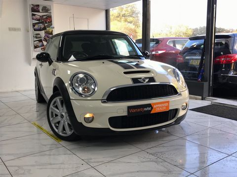 2009 MINI Hatch 1.6 Cooper S 3dr - Picture 1 of 27