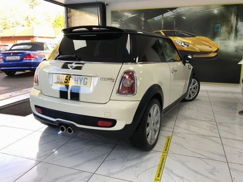 2009 MINI Hatch 1.6 Cooper S 3dr - Picture 9 of 27