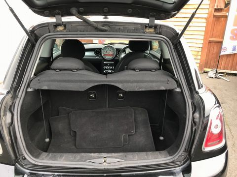 2009 MINI Hatch 1.6 Cooper S 3dr - Picture 11 of 26