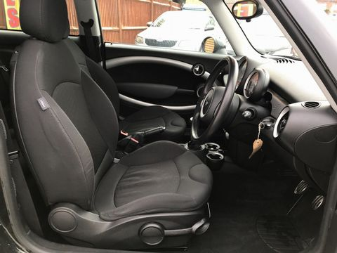 2009 MINI Hatch 1.6 Cooper S 3dr - Picture 13 of 26