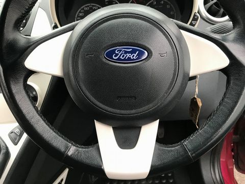 2010 Ford Ka 1.2 Zetec 3dr - Picture 27 of 33