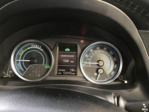 2014 Toyota Auris 1.8 VVT-h Excel e-CVT HSD 5dr - Picture 15 of 31