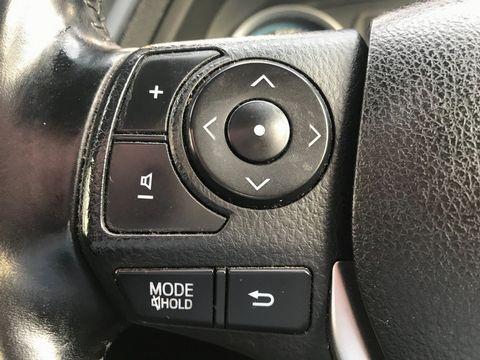 2014 Toyota Auris 1.8 VVT-h Excel e-CVT HSD 5dr - Picture 20 of 31