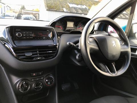 2012 Peugeot 208 1.4 e-HDi FAP Access+ EGC (s/s) 5dr - Picture 12 of 29