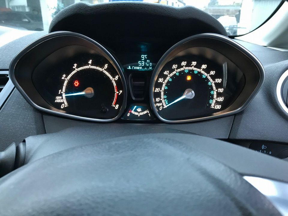 2013 Ford Fiesta 1.25 Zetec 5dr - Picture 13 of 26