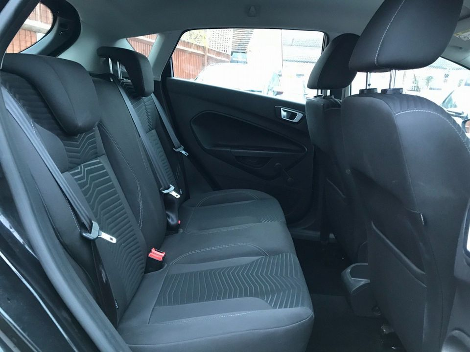 2013 Ford Fiesta 1.25 Zetec 5dr - Picture 21 of 26