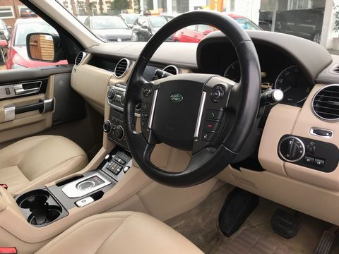 2012 Land Rover Discovery 4 3.0 SD V6 HSE 5dr - Picture 13 of 46