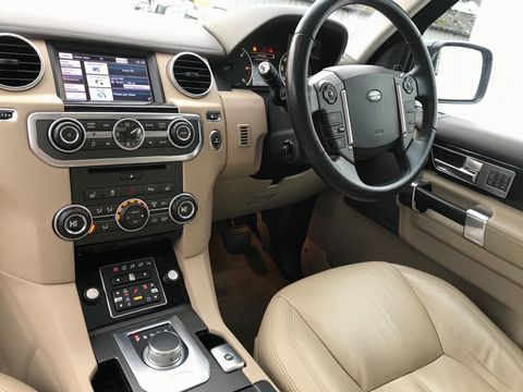 2012 Land Rover Discovery 4 3.0 SD V6 HSE 5dr - Picture 14 of 46