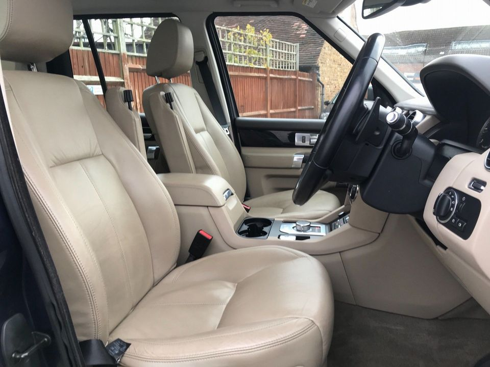 2012 Land Rover Discovery 4 3.0 SD V6 HSE 5dr - Picture 15 of 46