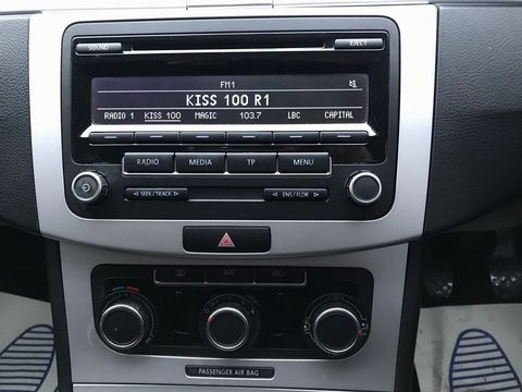 2014 Volkswagen Passat 1.6 TDI BlueMotion Tech S (s/s) 4dr - Picture 15 of 27