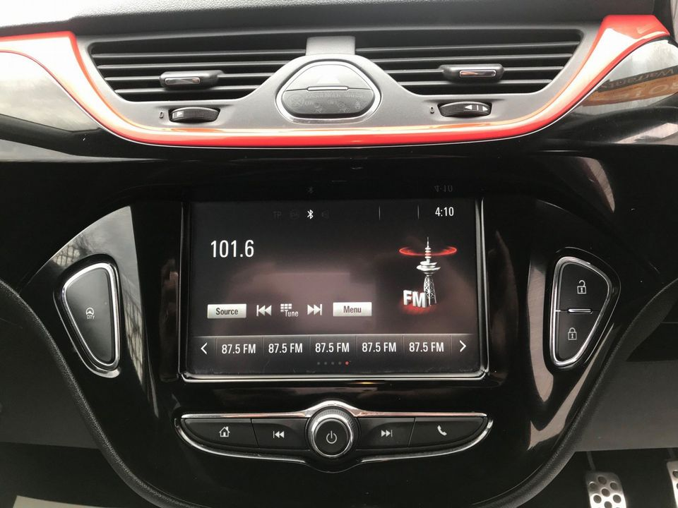 2016 Vauxhall Corsa 1.4i ecoFLEX Limited Edition 3dr - Picture 22 of 34