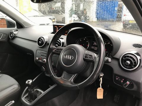 2011 Audi A1 1.6 TDI Sport 3dr - Picture 13 of 29