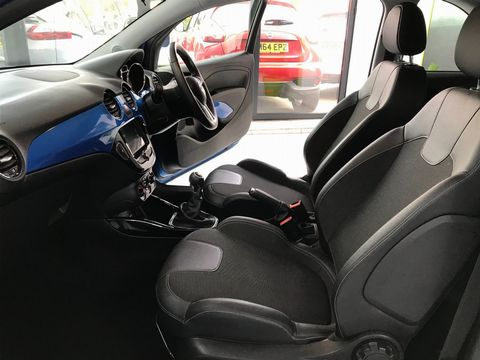 2019 Vauxhall ADAM 1.2i Griffin 3dr - Picture 18 of 34