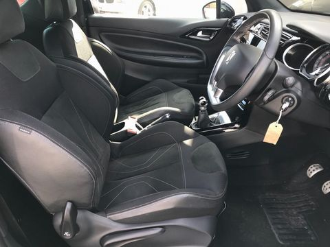 2016 DS AUTOMOBILES DS 3 1.6 BlueHDi Elegance (s/s) 3dr - Picture 16 of 31