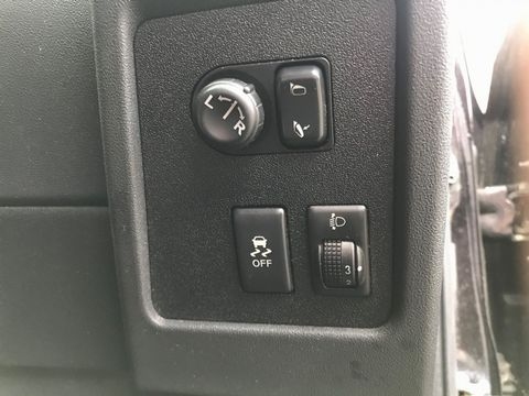 2010 Nissan Qashqai 1.5 dCi n-tec 2WD 5dr - Picture 22 of 34