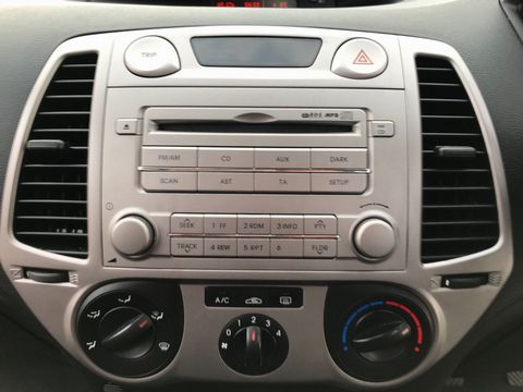2009 Hyundai i20 1.2 Classic 5dr - Picture 13 of 26