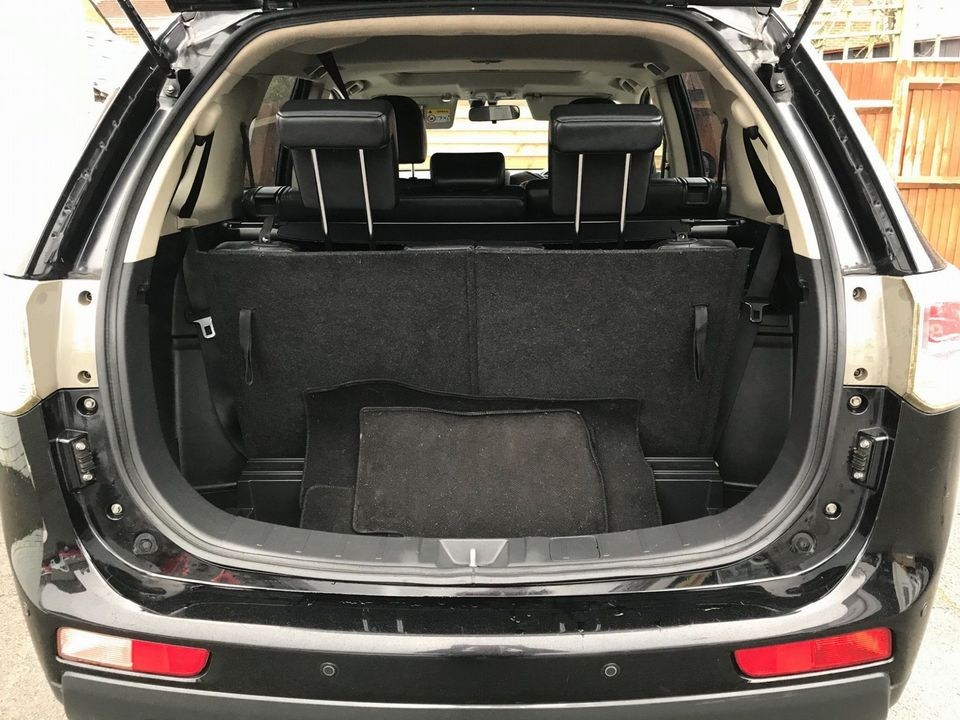 2013 Mitsubishi Outlander 2.2 DI-D GX4 4x4 5dr (7 seats) - Picture 10 of 34