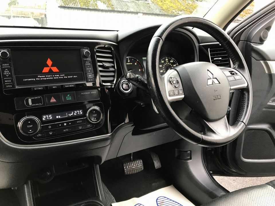 2013 Mitsubishi Outlander 2.2 DI-D GX4 4x4 5dr (7 seats) - Picture 13 of 34