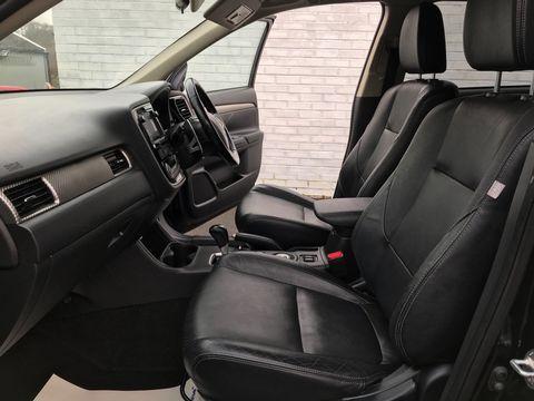 2013 Mitsubishi Outlander 2.2 DI-D GX4 4x4 5dr (7 seats) - Picture 14 of 34