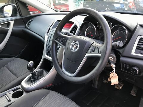 2011 Vauxhall Astra 1.6 16v Excite 5dr - Picture 11 of 24