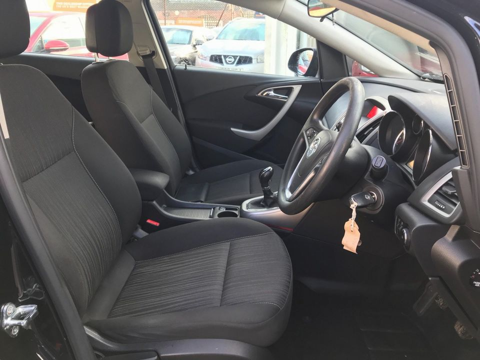 2011 Vauxhall Astra 1.6 16v Excite 5dr - Picture 18 of 24