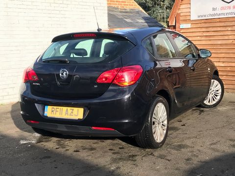 2011 Vauxhall Astra 1.6 16v Excite 5dr - Picture 9 of 24
