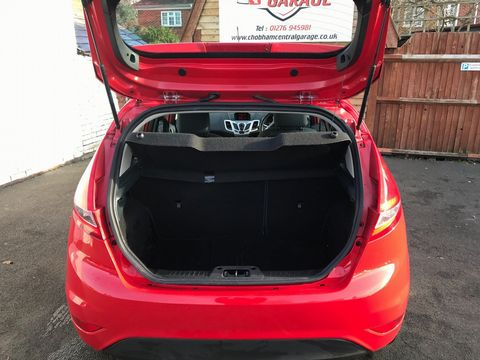 2012 Ford Fiesta 1.25 Zetec 5dr - Picture 12 of 32