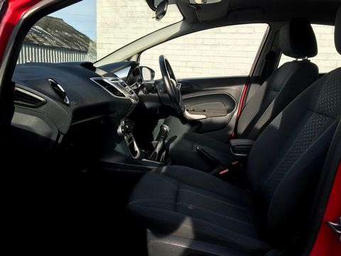 2012 Ford Fiesta 1.25 Zetec 5dr - Picture 17 of 32