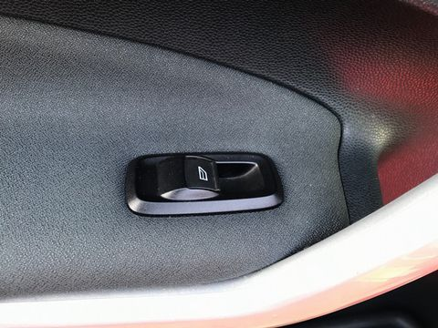 2012 Ford Fiesta 1.25 Zetec 5dr - Picture 27 of 32