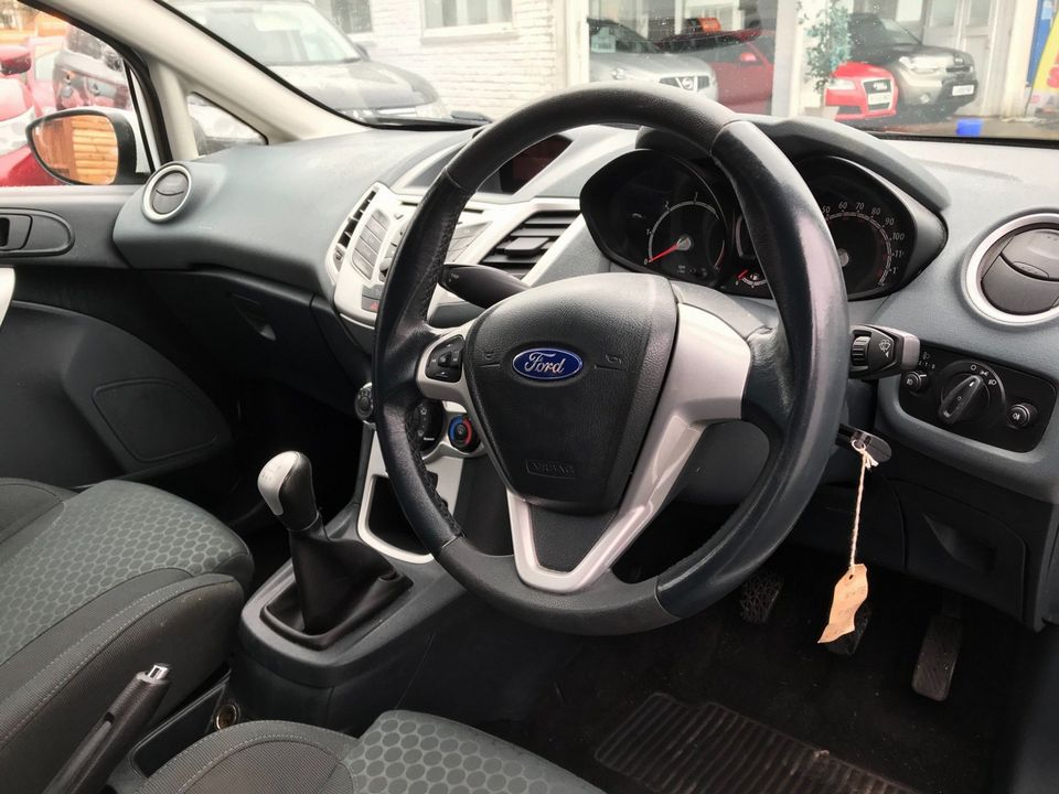2009 Ford Fiesta 1.6 TDCi Zetec S 3dr - Picture 13 of 26
